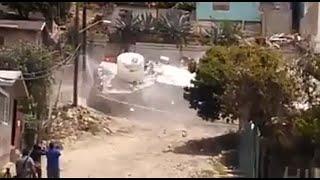 Derrumbe sepulta 19 casas en Tijuana, México .