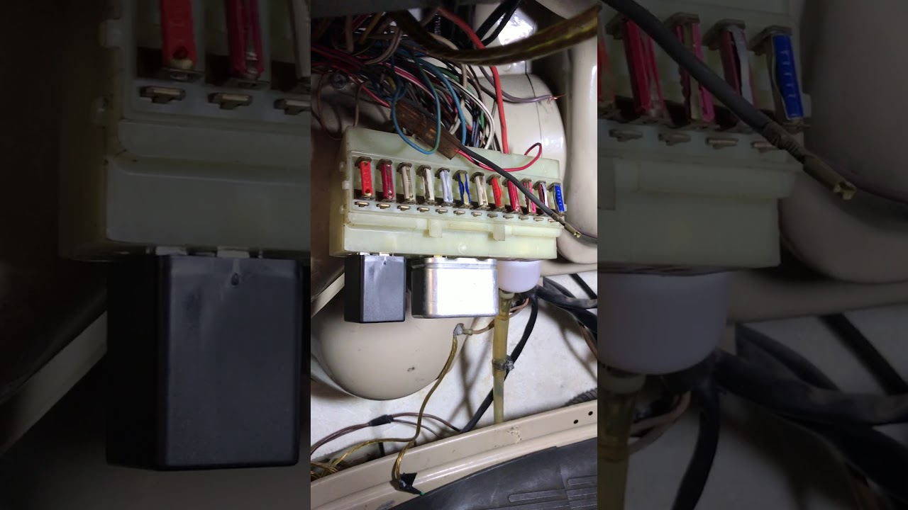 1970 vw bus turn signal flasher relay [ 1280 x 720 Pixel ]