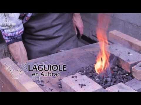 Deutch Clip. Fabrication Des Couteaux - Laguiole En Aubrac - Coutellerie Paris Île Saint Louis