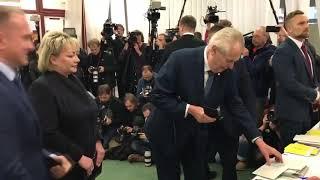 Miloš Zeman napaden, aneb demokracie podle v(f)emen / Lživý, zoufalý leták jako varování.