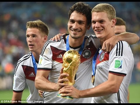 Mats Hummels to spark £25million transfer war between Manchester United and Arsenal as