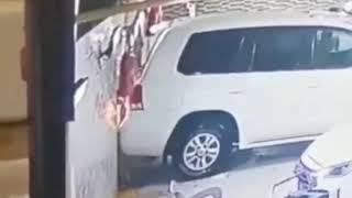 외국 김여사 무서운 주차 방법(자동차 중고차 영상 모음…