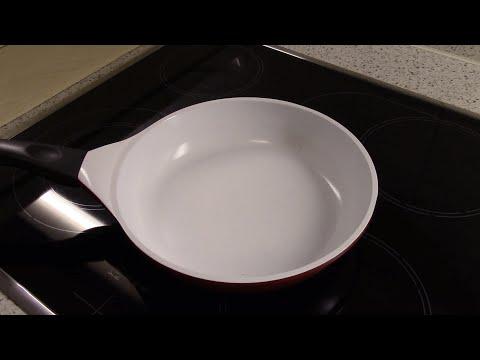 Как бережно отмыть пригоревшую кастрюлю