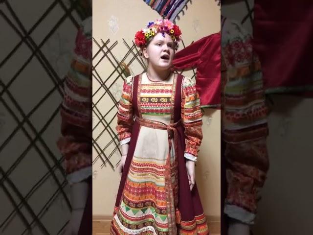 Изображение предпросмотра прочтения – ВикторияБурняшева читает авторское произведение «А я чайничала!»