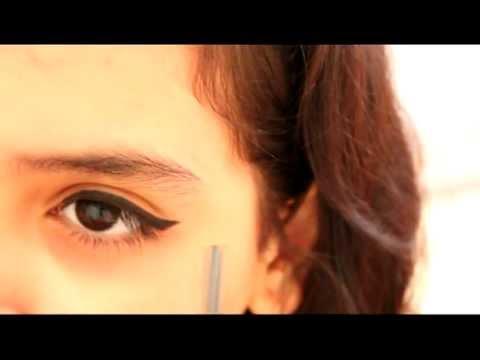 How I Do My Eyeliner (Cat-Eyes) كيف أرسم الآيلاينر