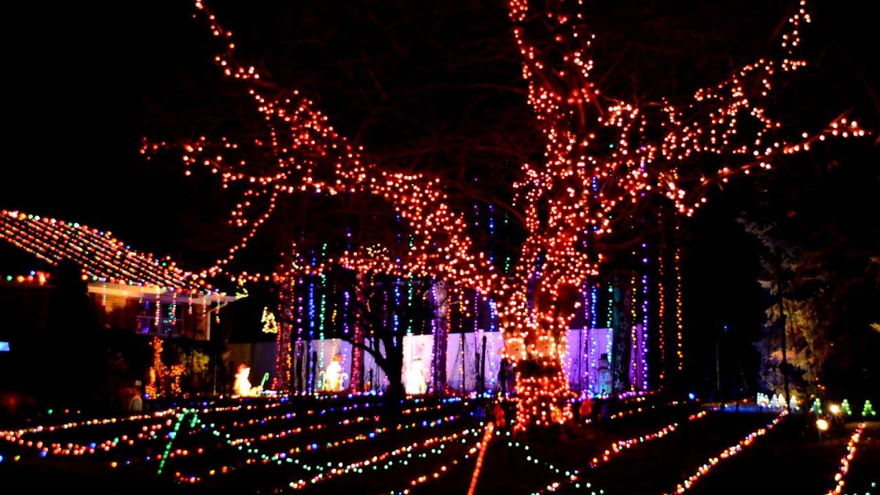 suhaka family christmas computerized light display in damascus maryland 2013 - Computerized Christmas Lights