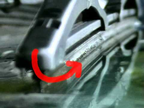 how to change fiat punto windscreen wipers