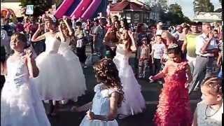 Парад невест на День Молодежи в Котельве