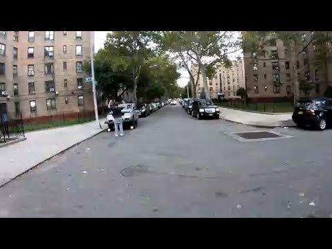 Cycling through NYC neighborhoods Queensbridge and Ravenswoo