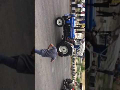 swaraj-855-xm-vs-power-trace-4455bt