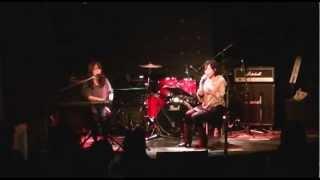 SPINSです。神戸BackBeatさんでのライブ映像です。 この曲は、「クロス...