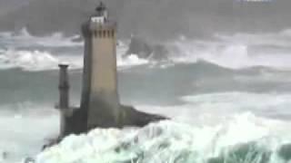 Маяк Маре во Франции во время шторма(, 2012-01-31T20:29:01.000Z)