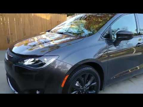2018 Chrysler Pacifica Maxpider Floor Mats Youtube