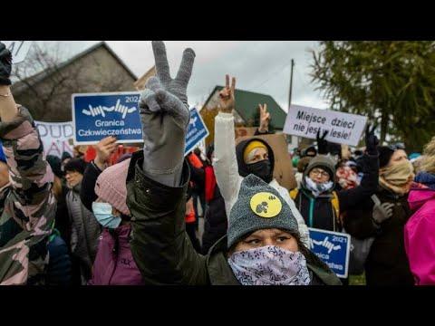 ...بولنديات يتظاهرنقرب الحدود البيلاروسية تنديدا بترح