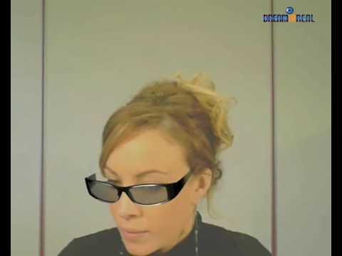 essayage de lunettes virtuel gratuit A l'opposé des lunettes de soleil qui généralement ne protègent que des rayons du soleil et ne corrigent pas la vue, les lunettes de vue apportent des corrections à vos défauts visuels par l'intermédiaire de verres posés sur une armature.