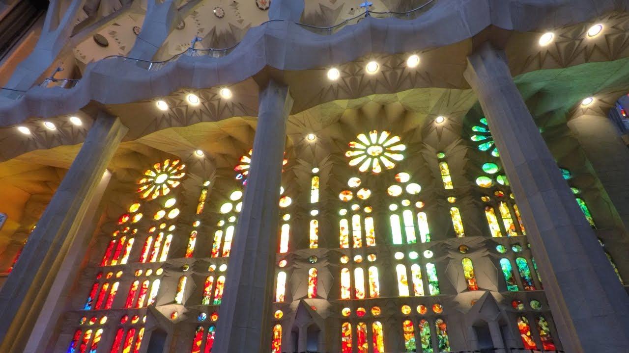 Inside the sagrada familia youtube for La sagrada familia inside