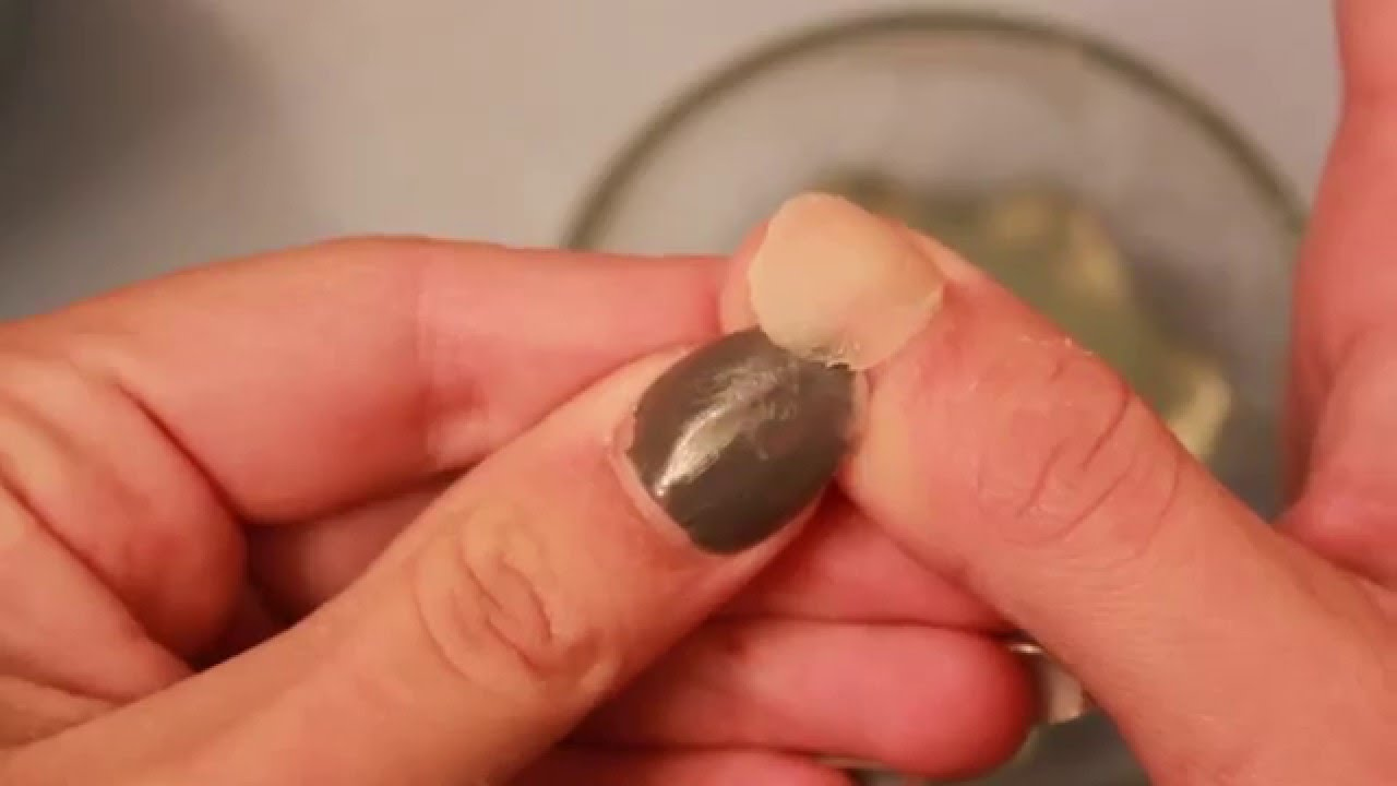 How I remove my acrylic nails- Kiss brand - YouTube