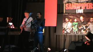 Amay Dekona (Lucky Akhond) performed by Sandpipers