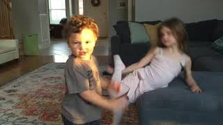 Sweet But Psycho - Kids Dance to their new favorite song!