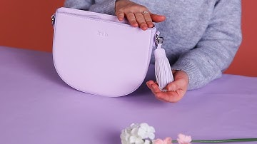 컬러감 깡패! 봄 패션 Fashion 퍼플(보라색) 중에서도 라이트 퍼플이에요 💕새학기 가방으로 가볍게 코디 할 때 추천! 드려요