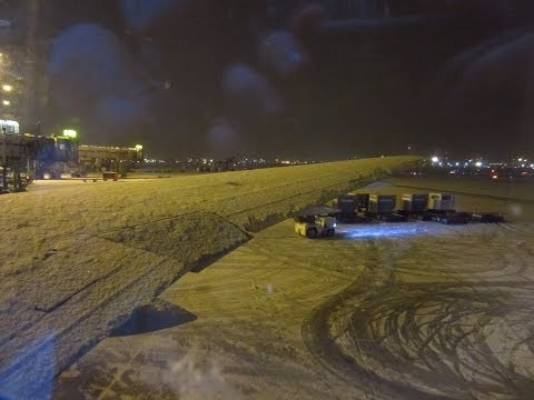 Air Canada Boeing 767-300ER DEICING + cold engine startup + takeoff from Toronto in snowstorm
