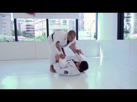 Leo Vieira - Spider Guard Pass - Essence Of Jiu-Jitsu