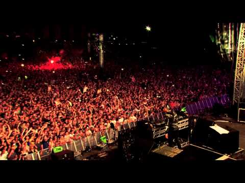 'Big Bang' by twoloud played by Tiësto live at Creamfields 2013