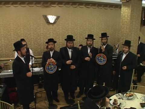 Levy Yitzchuk Falkowitz with Shira Choir