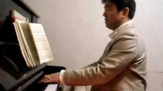 Japanese daily voice training scene.