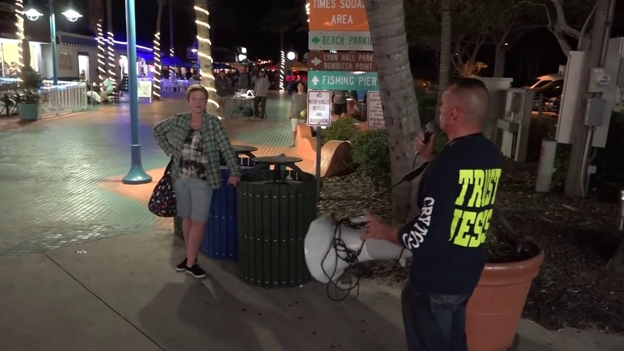 Street Preach BLESSES man from Honduras! | Drunkards NOT so much