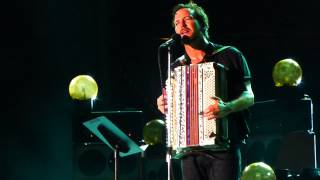 Pearl Jam - Bugs - in Chicago @ Wrigley Field 7/19/13 HD