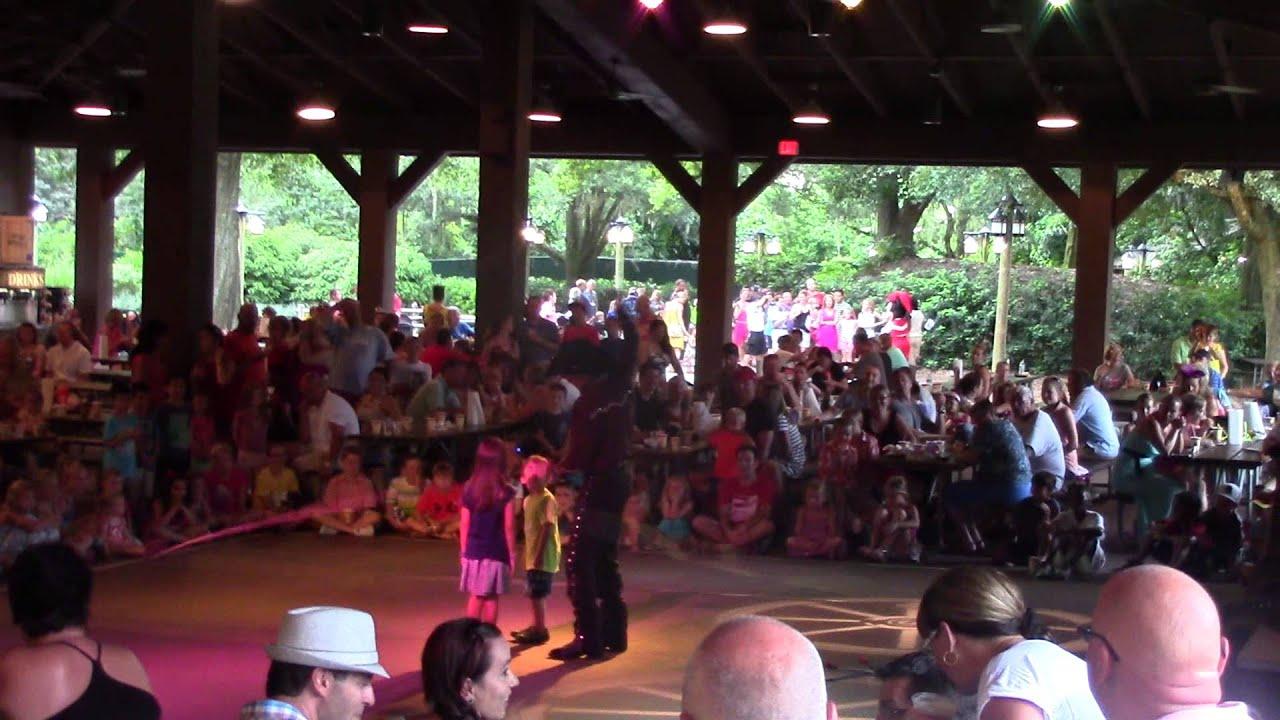 Mickey's Backyard Bar-B-Que - Fort Wilderness - Walt ...