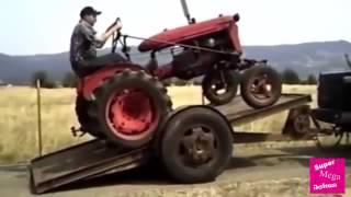 Приколы тракторов 2016  Трактора видео приколы