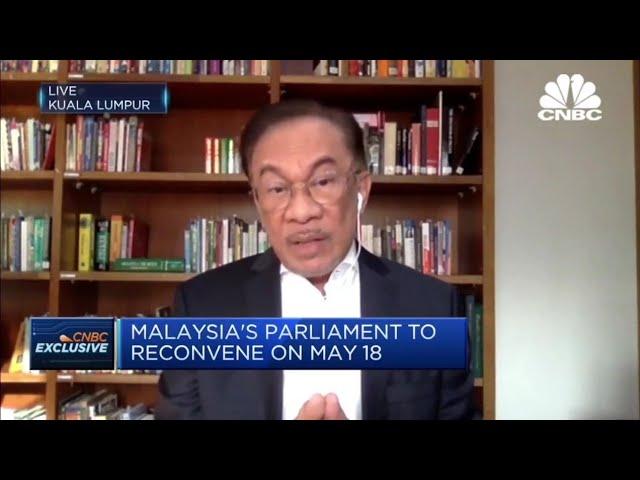 Anwar dakwa Hamzah Zainudin sibuk memancing Ahli Parlimen, tidak hirau isu COVID-19 dan keselamatan
