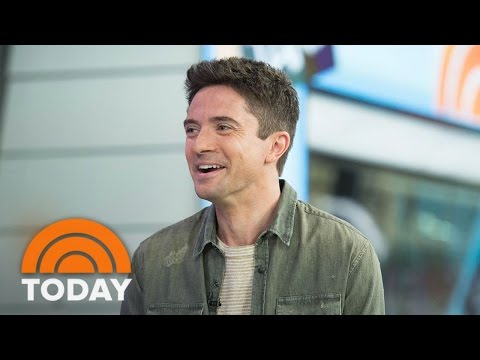 Topher Grace Talks Co-Starring With Brad Pitt In New Film 'War Machine' | TODAY streaming vf