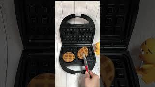 와플기계로 꿀 호떡 누르는 영상 ( 빵에서 나지 말아야…