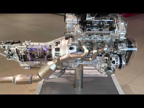 Фото к видео: VQ37VHR engine's moving cut model.