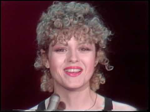 American Bandstand 1980- Interview Bernadette Peters