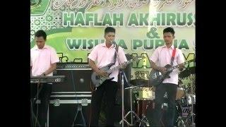 Anak SMA Main Dangdut cek sound ( HITAM DUNIAMU PUTIH CINTAKU )