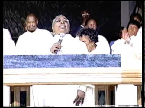 It Is Well With My Soul w/ Dr. Loudella Evans Reid/FELLOWSHIP CHOIR