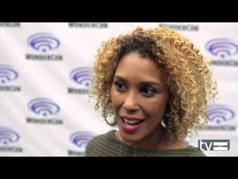 StarCrossed CW : Victoria Platt Gloria