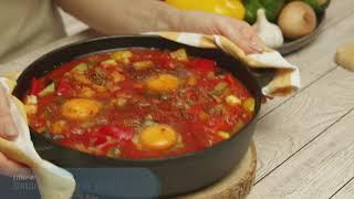 Шакшука с помидорами и творожным сыром рецепт от Danone