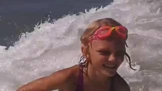 Солнце. Море. Пляж. Волны. Отдых. Италия.(Я с родителями отдыхаю на море, купаюсь, прыгаю по волнам, очень все круто. Италия. Riccione Если вам понравилось..., 2016-08-18T12:31:46.000Z)