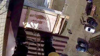 Ремонт кровли балкона промышленным альпинистом.(, 2015-09-01T00:08:20.000Z)