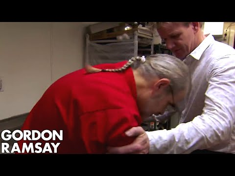 Download Youtube: Head Chef FAINTS on Gordon! | Hotel Hell