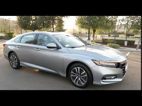 Picking between 2019 Honda Accord Hybrid vs 2019 Toyota Camry Hybrid XLE
