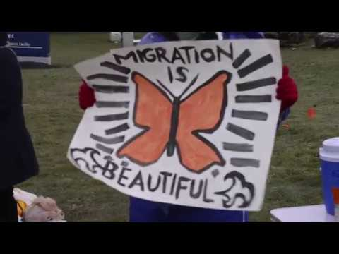 Rally supports immigration-rights leader