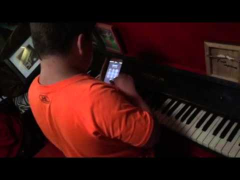 Kellen Michael playing piano to mind craft music. Has never