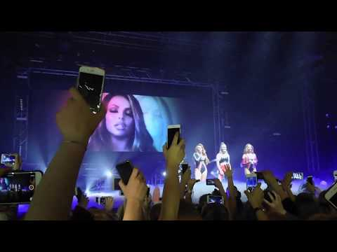 Little Mix Denmark 2017 - Crowd sings Secret Love Song