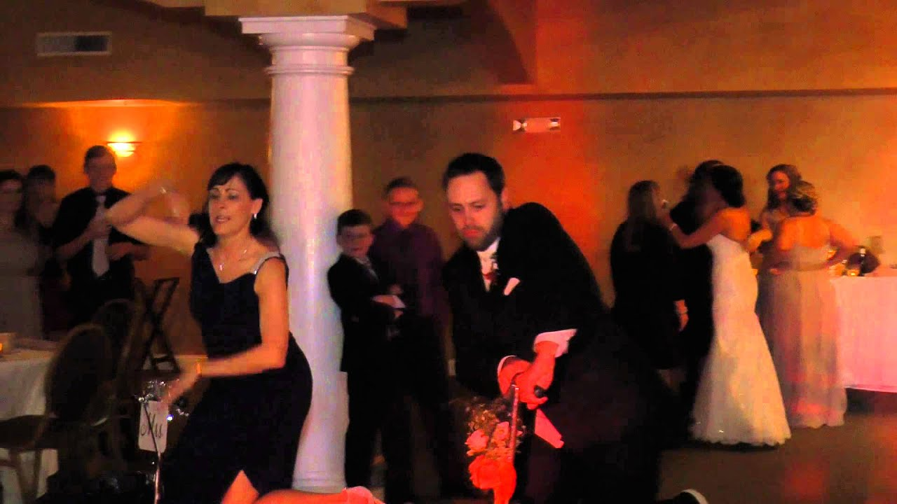 How To Dance At A Wedding.How To Dance At Your Wedding With A Broken Foot